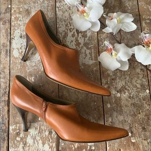 Cole Haan Leather Caramel Color Shooties